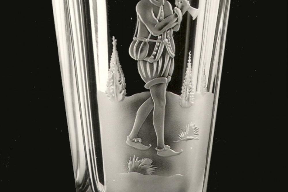 ATELIER MILDA CRYSTAL GLASS